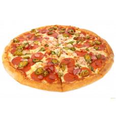 Пицца пеперони с халапеньо